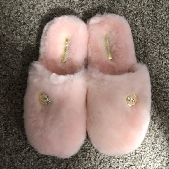Micheal Kors Fluffy Slippers